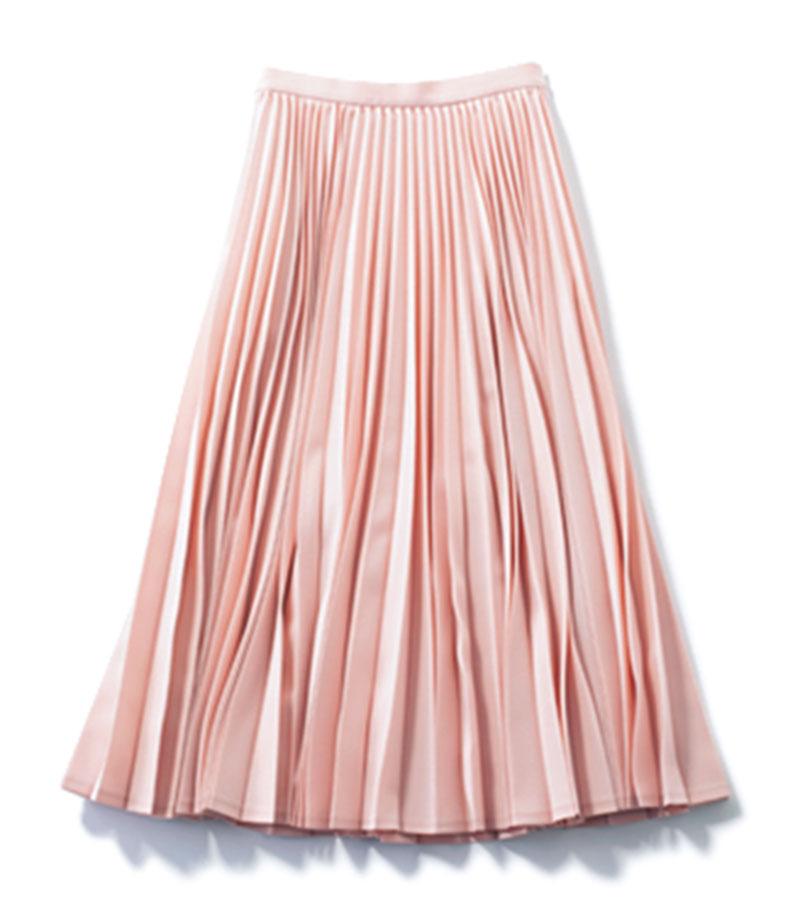 【6】 プリーツスカート 今季らしいムードのサクラピンク。スニーカーとも相性良し。¥39,600(ツルバイ マリコ オイカワ)