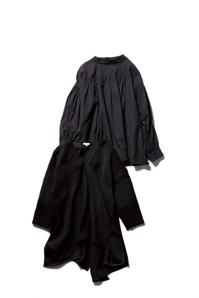 〔上〕ANGIE〔下〕ENFÖLD ボリューム袖やフレアシルエットみたいなデザインも黒なら甘すぎず大人見え。ENFÖLDの甘黒トップスは必ずチェック。
